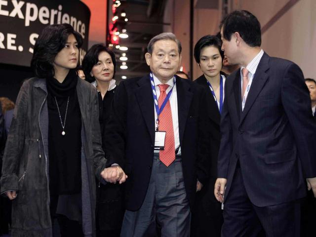 愤怒的三星股东 猛批李健熙挥霍过度