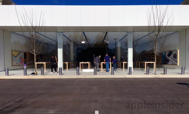 这是全球首家全新设计的苹果店:配37英尺巨屏背景墙