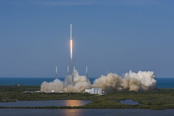 "SpaceX""猎鹰9号""海上回收高清图赏"