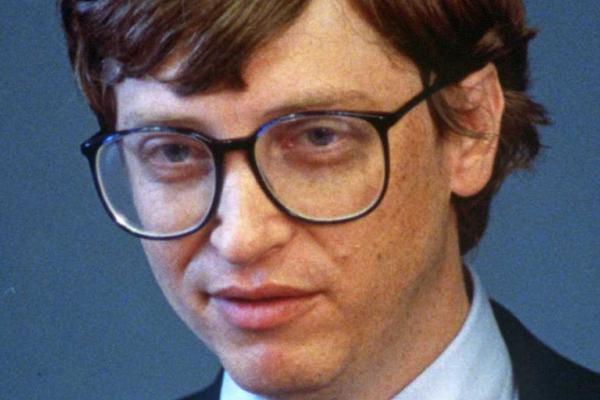 36年前微软其实是一家硬件公司 靠苹果电脑赚钱